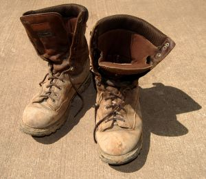 old-worn-out-boots-1013579-m