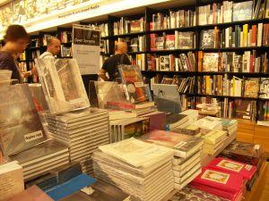 bookstore-2-359139-m