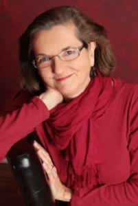 Susan Aken's author photo.