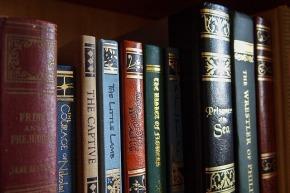 books-1141910_640
