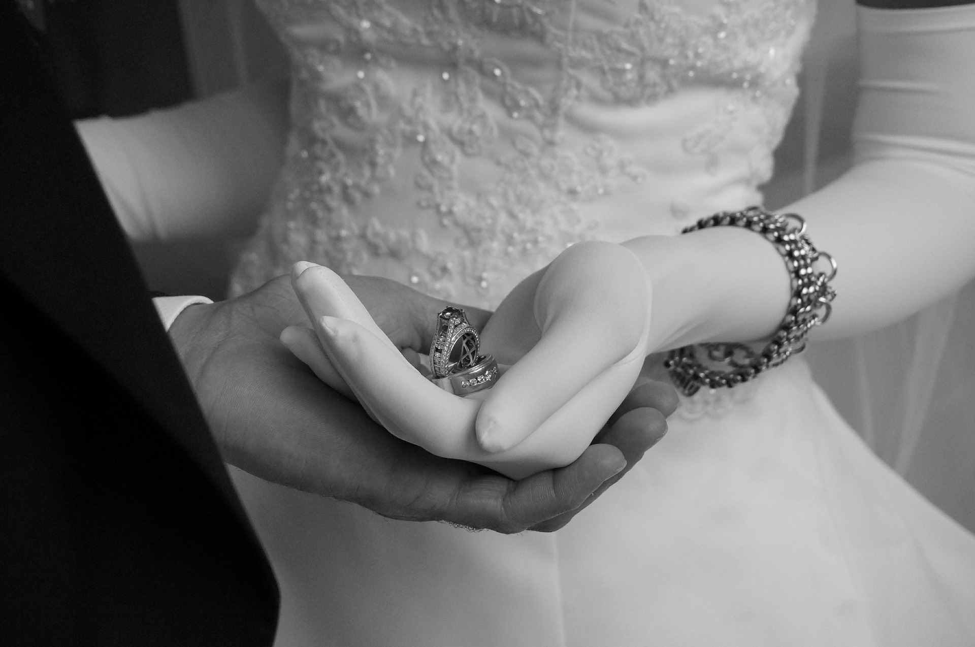 wedding-559422_1920 PIXABAY