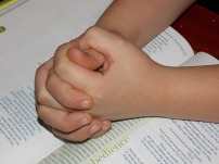 child-praying-hands-1510773_640
