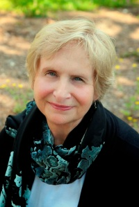 author Linda Randeau's headshot