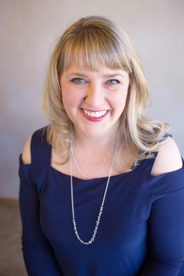 Amanda Wen Author Photo