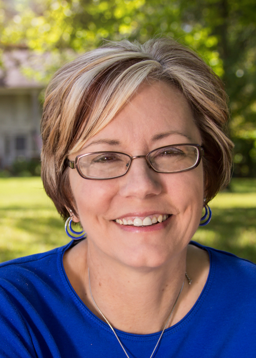 Jennifer Hallmark's author headshot