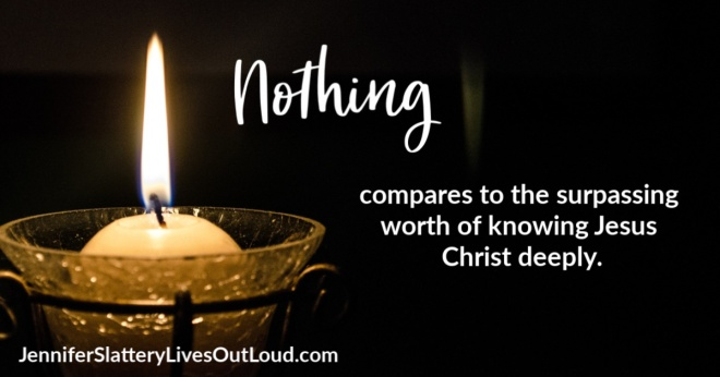 quote on knowing Christ and a picture of a candle.